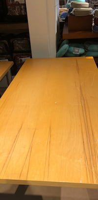 Wooden table Omaha, 68114