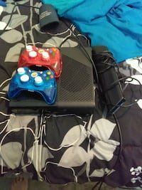 black Xbox 360 console with two controllers San Antonio, 78259