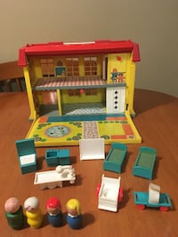 Vintage fisher price little people hospital Niagara Falls, L2H 1X3