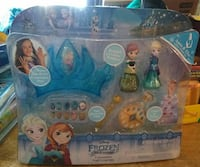 Disney Frozen vinyl figure in box
