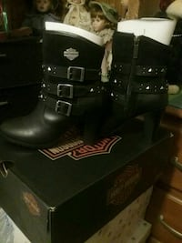 New, never worn black leather Harley Davidson boot Saint Anthony, 55109