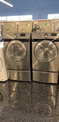 27' washer and dryer Samsung with pedestal  Toronto, M3J 3K7