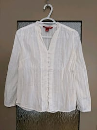 Women's white blouse size small worn once Calgary, T2E 0B4