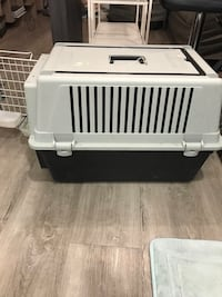Atlas40 Medium kennel Calgary, T2E