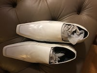 Pair of white leather loafers Toronto, M2M