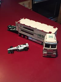 2003 Hess Truck Collectible Pepperell, 01463