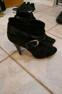 Black faux suede boots size 9 Coquitlam, V3B 4S4