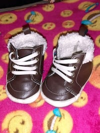BABY SHOES SZ 2 $1