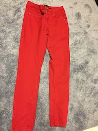 Red pants LaSalle