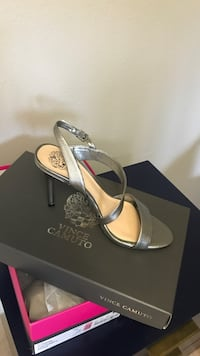 Worn once. Size 7, Vince Camuto.