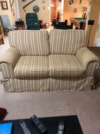 Striped Loveseat Frederick, 21701