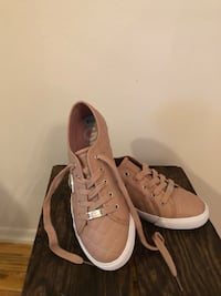 G BY GUESS sneakers 8.5 Ewing, 08628