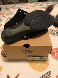 Pair of black Ugg Fiona in box Mount Pleasant, 10532