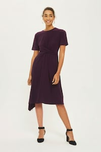 BNWT MID-LENGTH DRESS Toronto, M5B 2H5