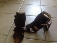 Pair of brown heeled sandals size 9 Pick up in Laval  Laval, H7G 1G3