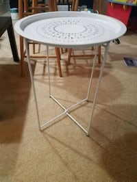 White foldable table Gaithersburg, 20878
