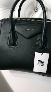 Givenchy antigona leather tote bag  Mississauga, L5T 2L8