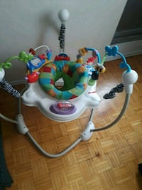 baby's white and blue jumperoo Ottawa, K1J 8R7