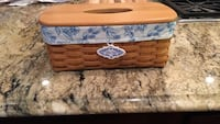 Longaberger. basket  long tissue box with liner 49 mi