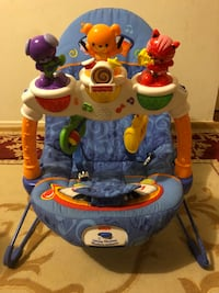 Baby's white and blue activity center Whitby, L1P 1B8