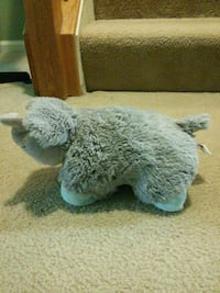 Small elephant pillow pet Woodbridge, 22192
