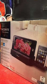 black Sony Xperia android smartphone with box Richmond Hill, L4B 2A8