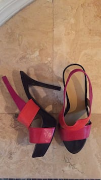 pair of red-and-black open toe pumps Las Vegas, 89138
