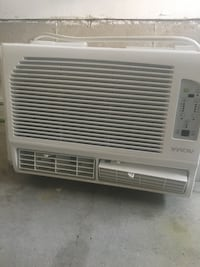 Air conditioning new used it one month has 10000 watts with remote control  Vaughan, L4L 9E9