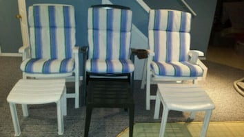 3 RECLINING GARDEN CHAIRS WITH FOOT STOOL