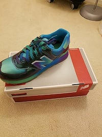 New balance 574 rainbow. Size9 Brand new