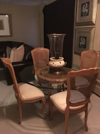 Dining room table and chairs by Century furniture Like new