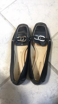Pair of black leather loafers Albuquerque, 87111