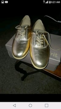 pair of gray leather dress shoes Moreno Valley, 92557
