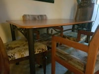 Kitchen table w/4 chairs Calgary, T2B 0Y1