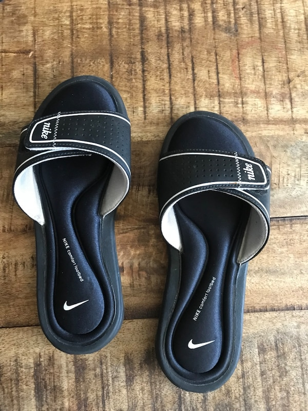 wholesale dealer 4b338 33796 Used Nike womens size 7 sandals flip flops for sale in Rancho Cucamonga -  letgo