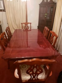 Dining Room Table- Seats 6