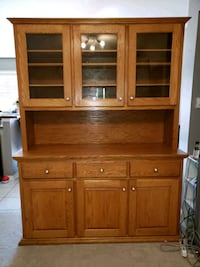 Solid Oak Hutch Burlington, L7L 6K6