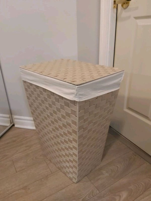 Laundry Hamper Basket with Lid and Removable Bag e06883d0-7d5a-4612-87c5-edf3e9052257