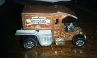 brown Express Trucking Company truck scale model Surrey, V3T 4G7