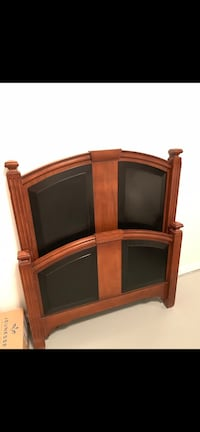 Solid wood single bed 伯纳比, V5H 1P7