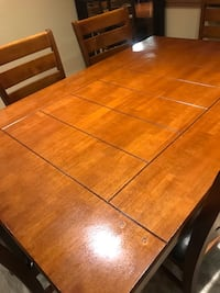 Dining table with six chairs Manteca, 95337
