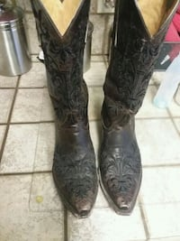 black-and-brown leather j-toe cowboy boots 1284 mi