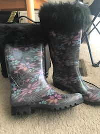 NEW Ladies Rainboots 8.5 Vienna, 22181