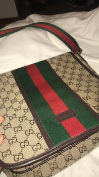 Red and green gucci bag Portland, 97220