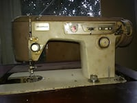 Bradford sewing machine and fold away table Charlotte, 28214