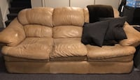 Brown leather 3-seat sofa Kitchener, N2N 2W1