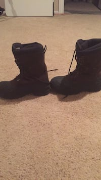 pair of black leather boots Thornton, 80602