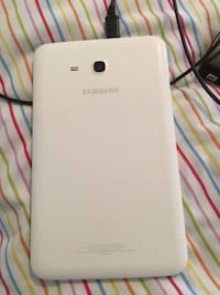 White Samsung Tablet 7 London, N5V 3M1