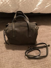 Army green fossil bag, never used 557 km