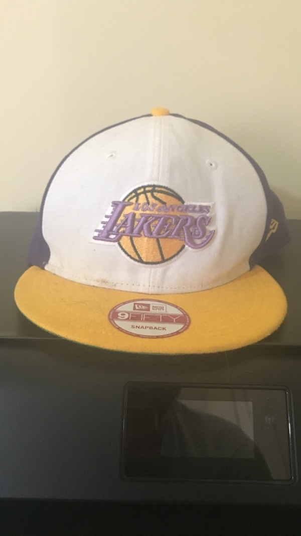eef5b60c33701b Used white, purple, and yellow New Era 9Fifty Los Angeles Lakers fitted cap  for sale in Grand Blanc charter township - letgo